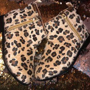Fun fur booties 🖤
